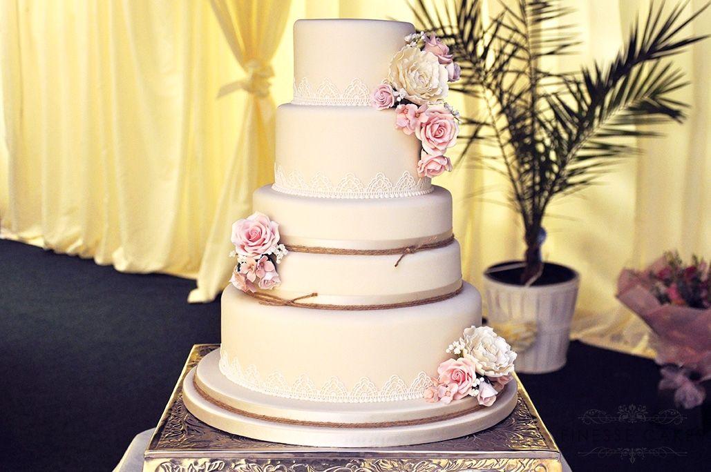 vintage twine wedding cake